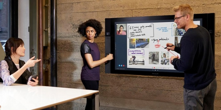Surface Hub: Microsoftov 84-inčni all-in-one PC